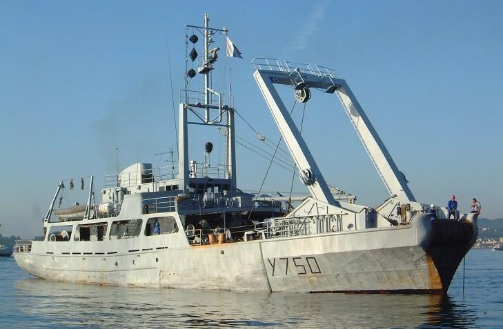 http://www.mandragore2.net/dico/lexique2/navires2/gabare-gd.jpg