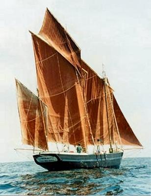 http://www.mandragore2.net/dico/lexique2/navires2/lougre-corentin-gd.jpg